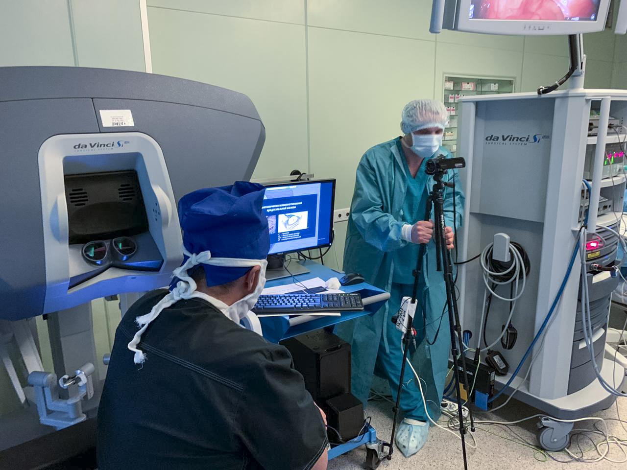 Операция на роботе да винчи