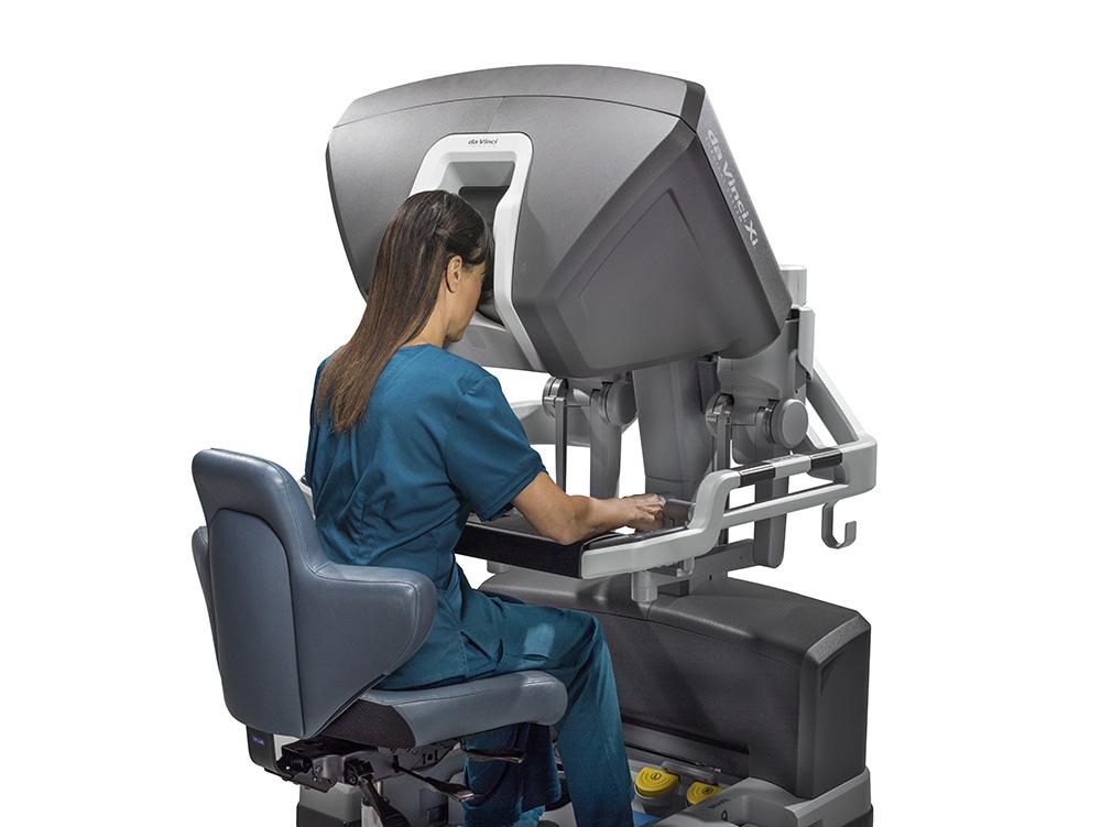 Как устроена  роботическая система да Винчи, консоль доктора