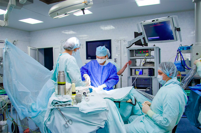 Гинеколог Пономарева Юлия, операции на роботе da Vinci